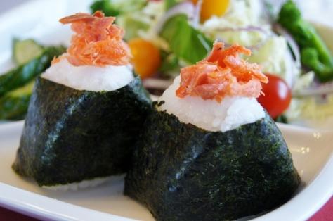 Yakishake grilled salmon onigiri